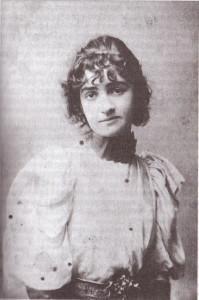 Julia Magnard